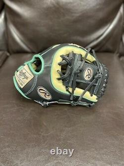 Rawlings Heart Of The Hide R2G 11 1/2 inch Baseball Glove